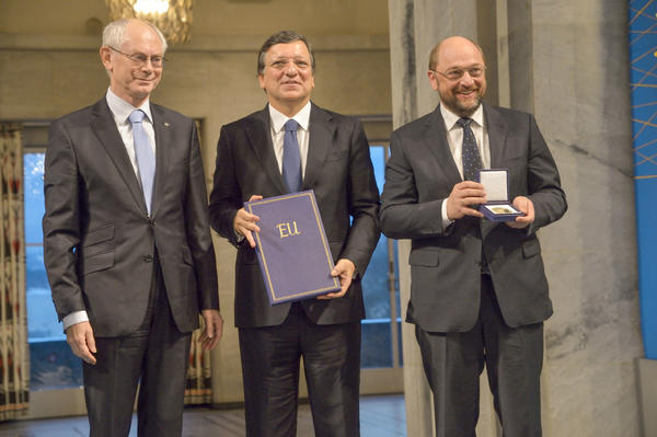 RT @MartinSchulz: A proud humbling moment at the #EUNobel. 3 presidents representing the EU, a unique project of peace and prosperity. http://pic.twitter.com/nAtMG6ZS