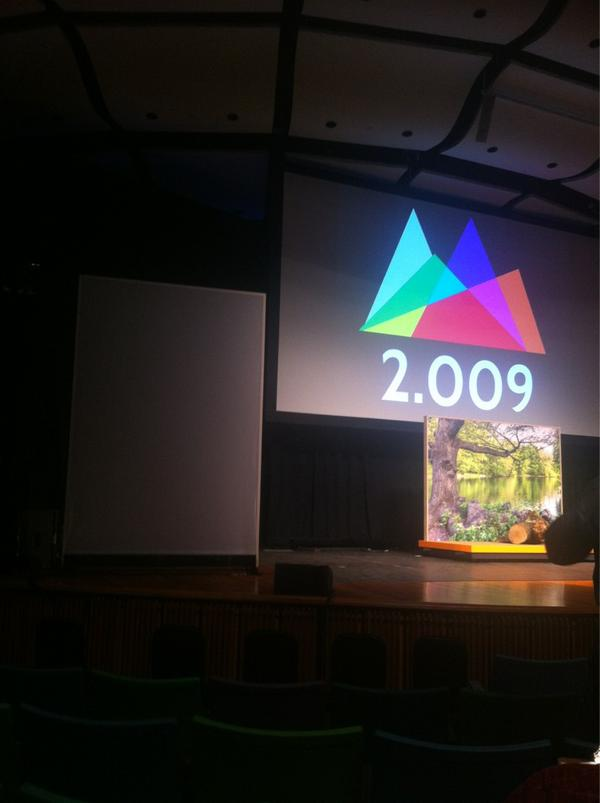 I am attending #2009MIT students projects presentation already impressed :) http://pic.twitter.com/kRyb4NtF