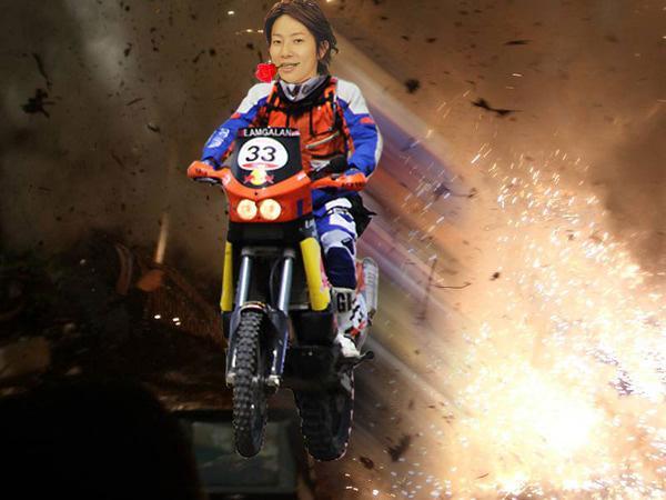 test ツイッターメディア - 薔薇をくわえた川越シェフが大爆発の中からバイクで飛び出している画像ください  https://t.co/zb8WWFv7Ge