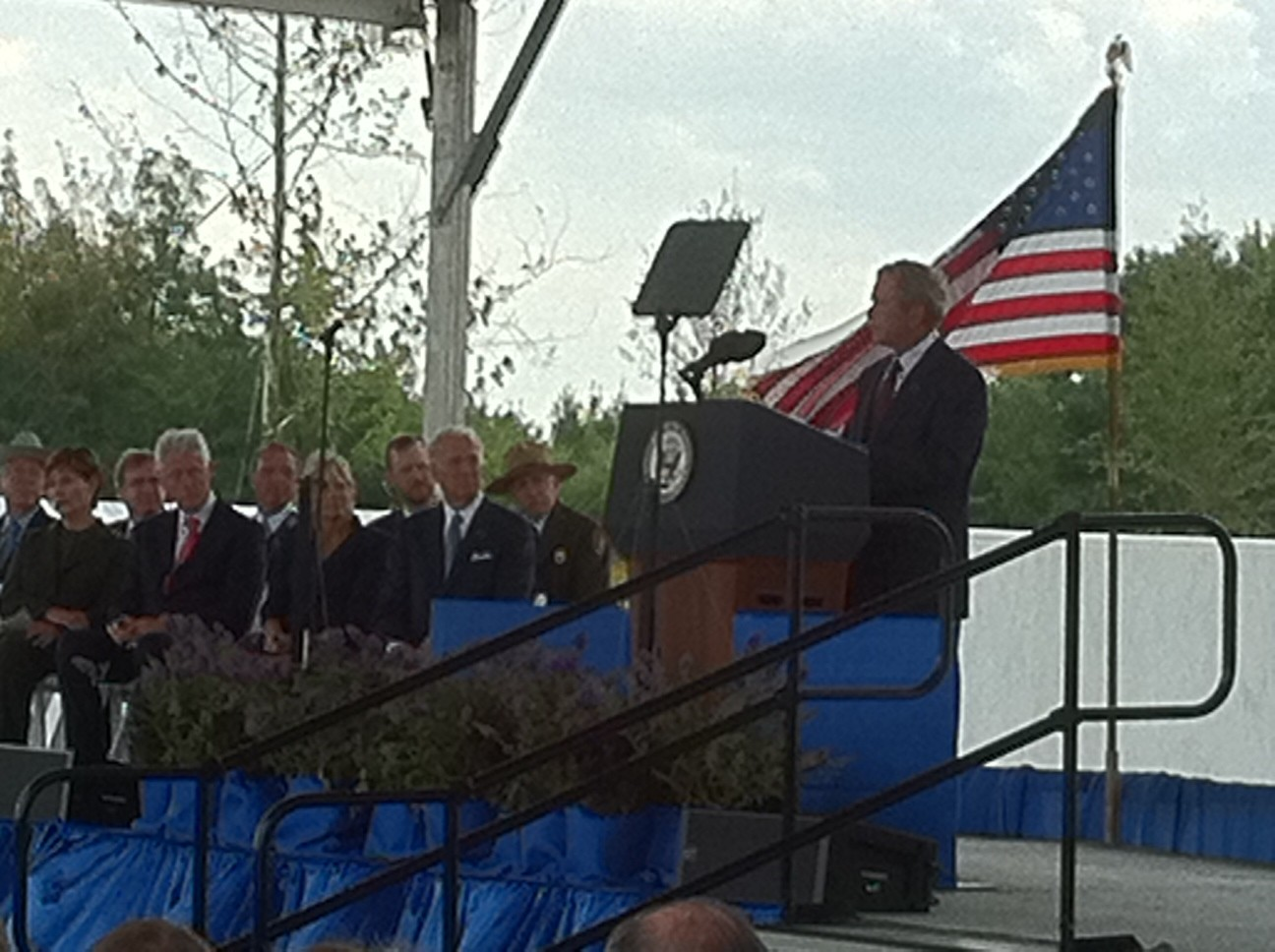 Twitter / VP: Pres Bush recounts his moving ...