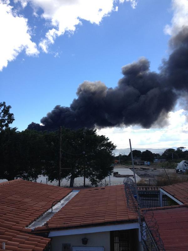 """En Cagua RT """"@Manuu10: La planta de Inica es lo que se quema http://pic.twitter.com/D47pJaPe"""""""