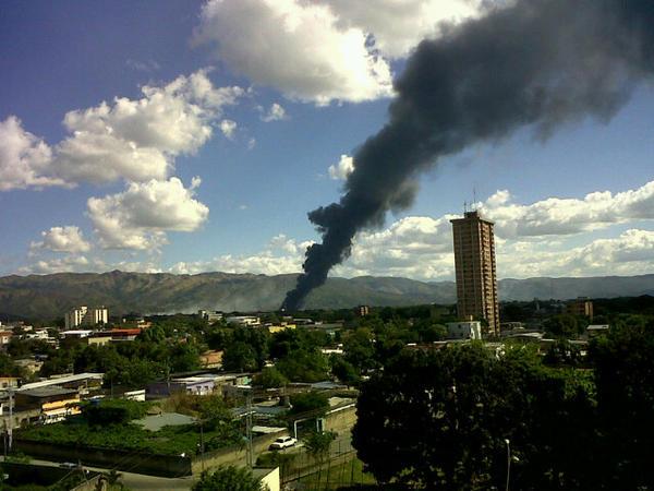 Incendio en cagua pero no tengo idea alguien puede informar??? http://pic.twitter.com/4DdDYYsQ