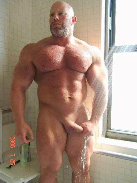 naked gay muscle men