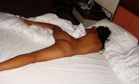 naked girl while sleeping
