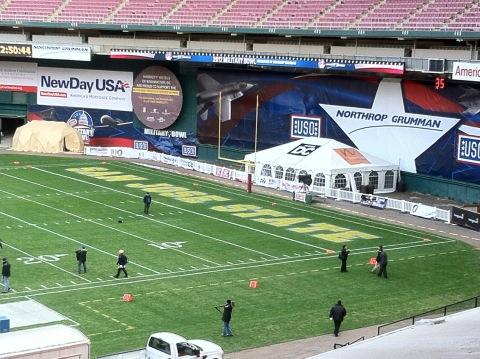 RT @Jimmy_Durkin: A look inside RFK Stadium, site of today's @MilitaryBowl http://pic.twitter.com/f3Hal6KF