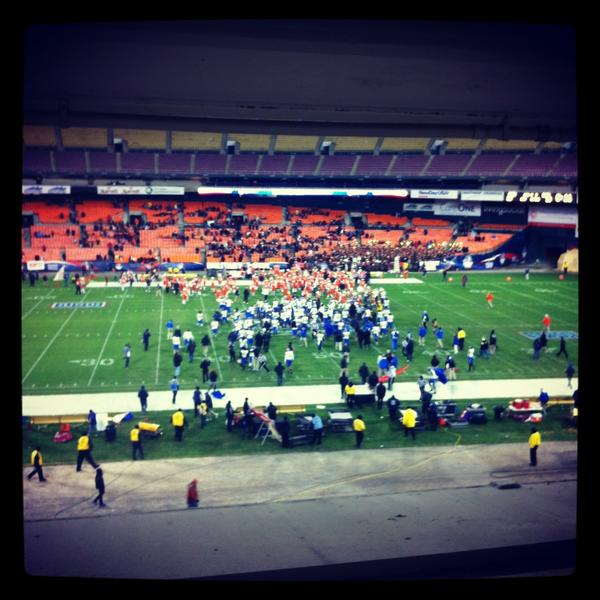 Thanks for a great game @SJSUAthletics and @BGathletics, and congrats to the Spartans http://pic.twitter.com/BGN8UGwU
