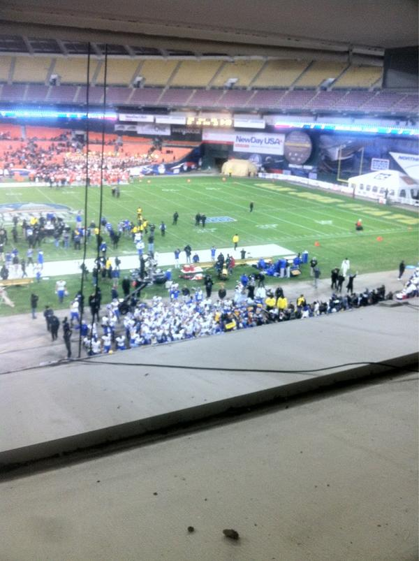 So proud of SJSU. #almamater RT @SpartanDaily #GoSJSUSpartans #MilitaryBowlCHAMPS http://pic.twitter.com/FLrAij2v