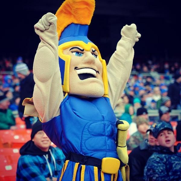 Go Spartans! #SJSU #MilitaryBowl http://pic.twitter.com/xuMaB8vm