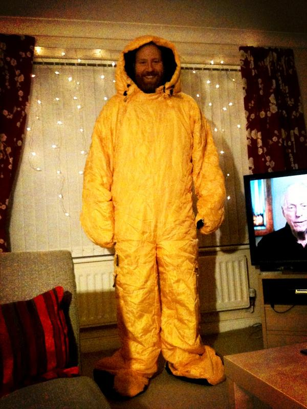 "My husband, ladies and gentlemen. ""@BarrySkellern: @ManMadeMoon Ready when you are. #Moonbbc2 http://pic.twitter.com/uqI52Jt0"""