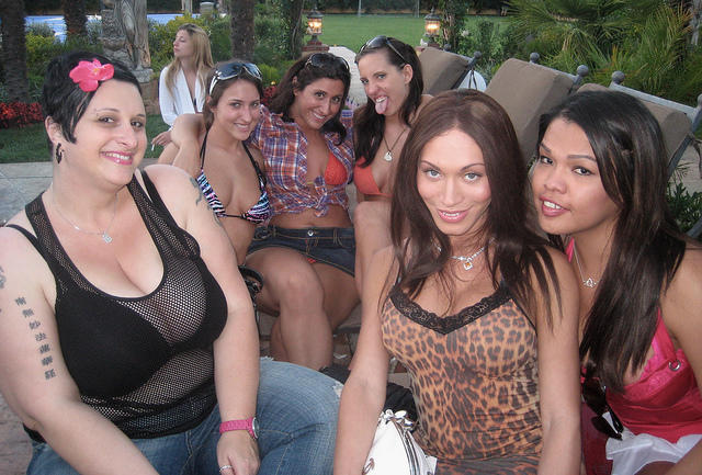 RT @THEMiaIsabella: OMG! What a blast from the past! @therubpr @KellyDivine @LizzXXXTayler @TheVanessaBlake