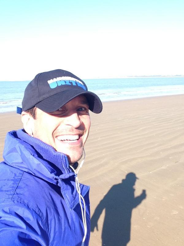 Ni el frío evitará que me pegue la última carrera del 2012 en la playa... http://pic.twitter.com/PaNKV8jZ