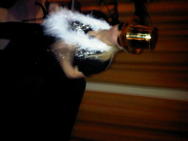 Por cierto, qué ritmo tenía @shakira ayer por la noche! http://pic.twitter.com/f8QZawc5