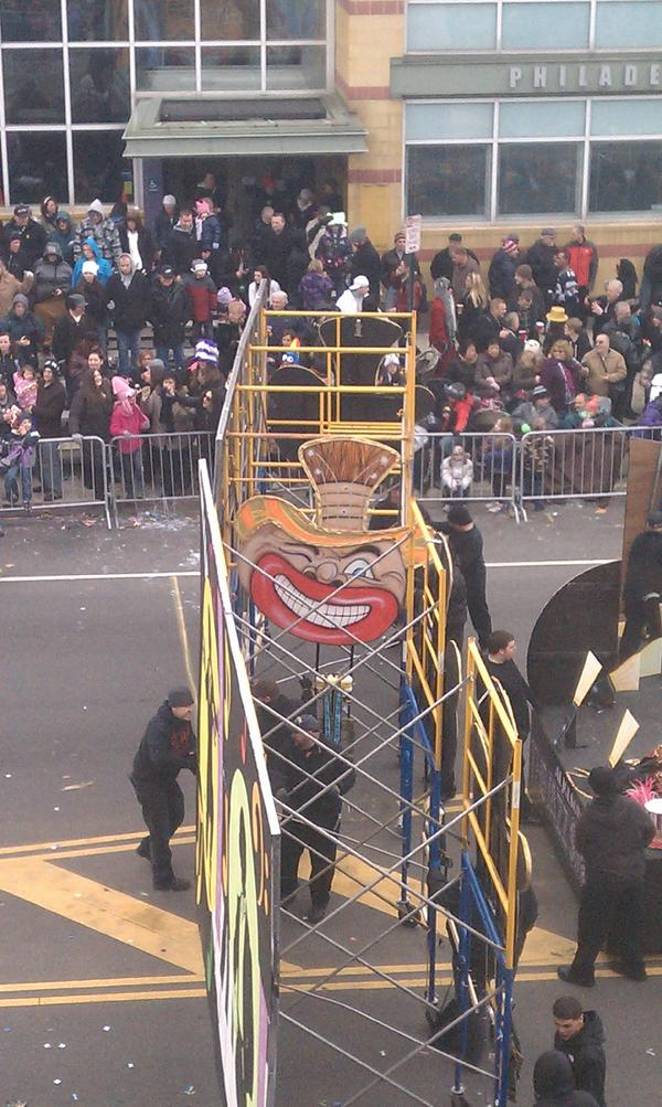 "RT @angela_la_la: WTF more blackface references. Ah, ""tradition"" #mummers http://pic.twitter.com/5AsO4F5v"