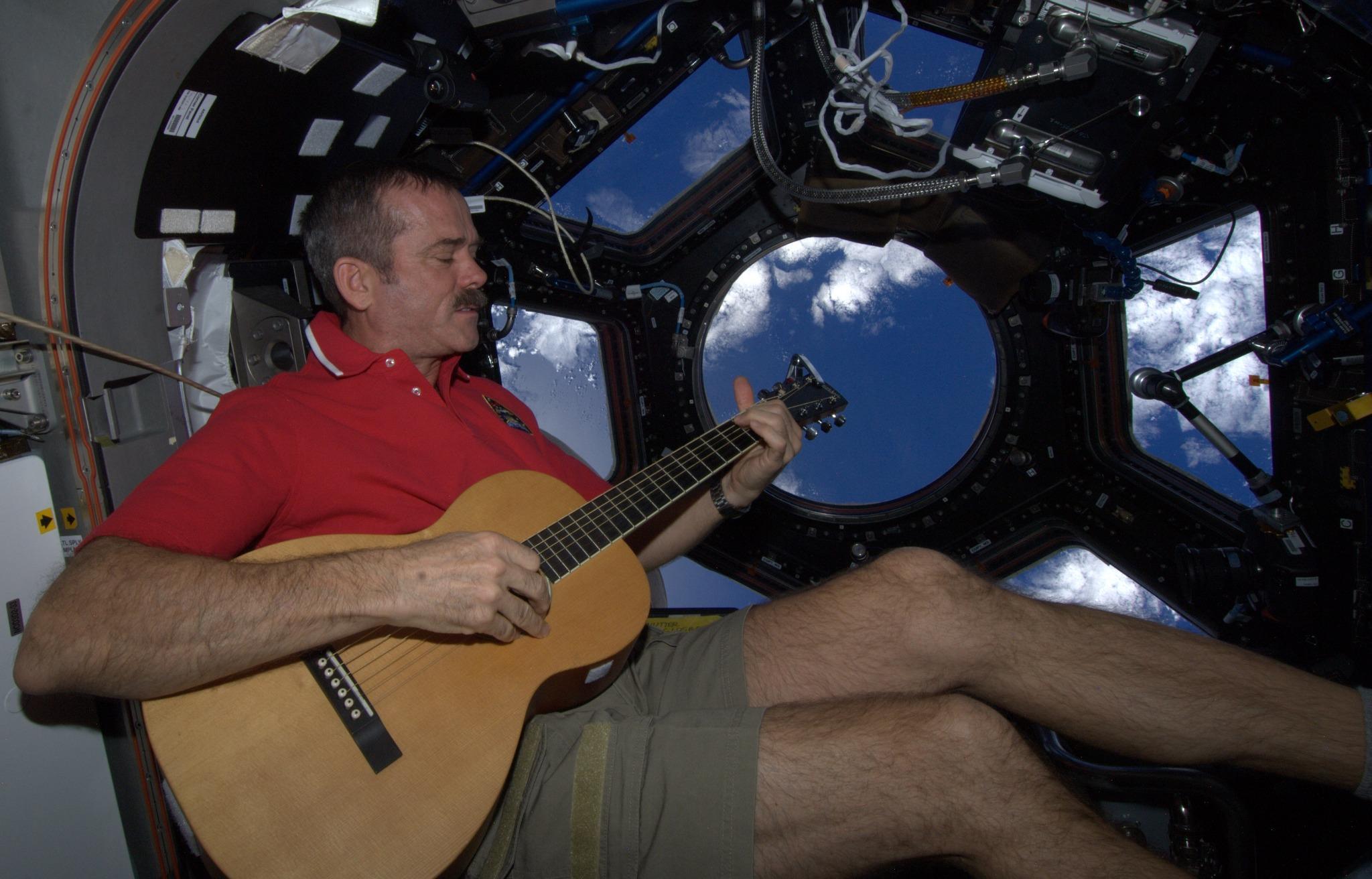 ISS-Expedition 34: Déroulement de la mission A_jkuyOCEAA8RRk