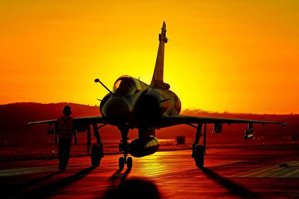 """@KevinMorenoR: Dassault Mirage 2000 http://t.co/p7uSZxK7"" amoureuse!!"