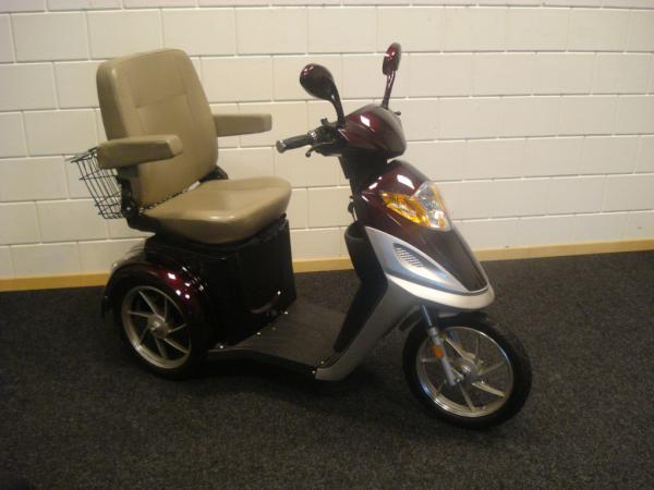 Fonkelnieuw Scootmobile 4 all (@Scootmobile4all)   Twitter UH-71