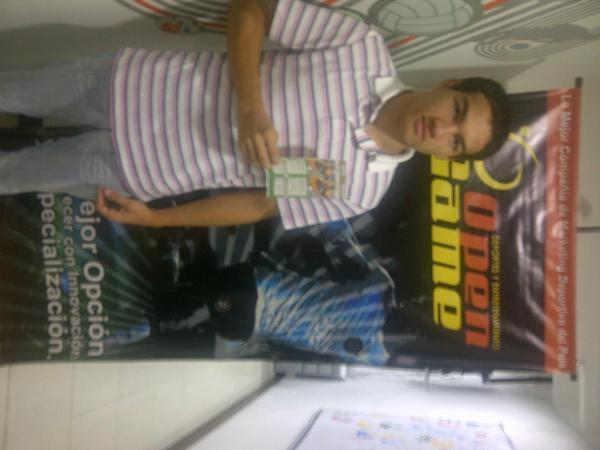 Aquí la foto de la entrega del boleto doble para Envigado vs Quindío a @jdargumedor ¡Que disfrute del partido! http://t.co/zkCr2b8K