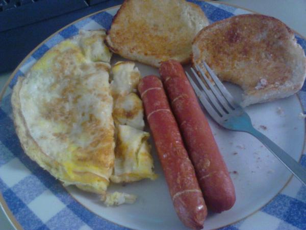 my lazy Saturday breakfast http://t.co/AEGpFNCg