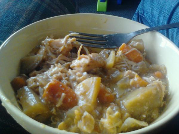 Mmmm Chicken stew <3 http://t.co/vFky12ou