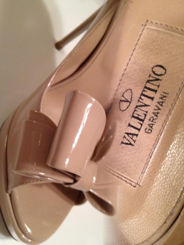 Valentino one girl to love lyric