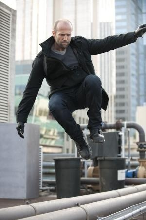 @pebbles319 No! *hops over fench* #JasonStathamStyle pic.twitter.com/EnVlLMbs