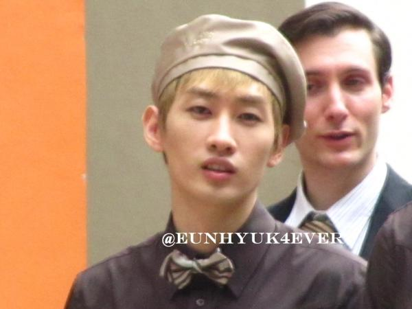 KYOCHON CF FILMING: EUNHYUK LOOKING AT ME! I JUST DIED XD http://t.co/hAAfDYKd