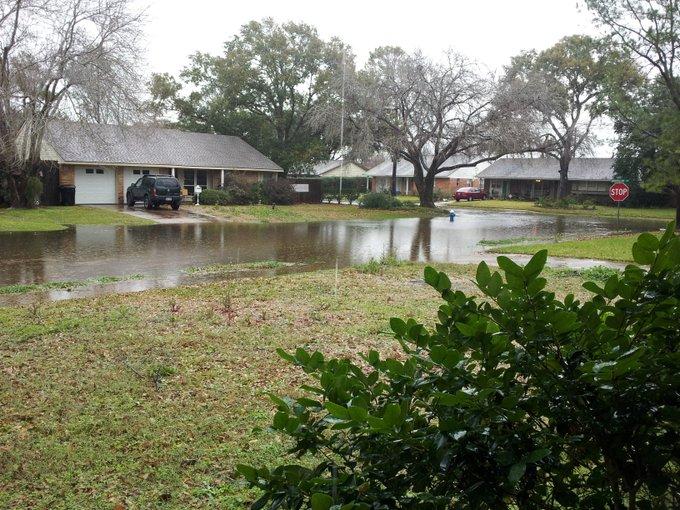 Not leaving the house. :-)  #flood #houston http://t.co/LdQYnRZS