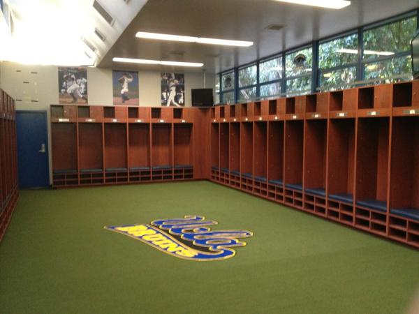 UCLA Baseball On Twitter Has Upgraded Its Clubhouse With Fantastic New Lockers And Turf Floor Tco Sn6dY4Y7