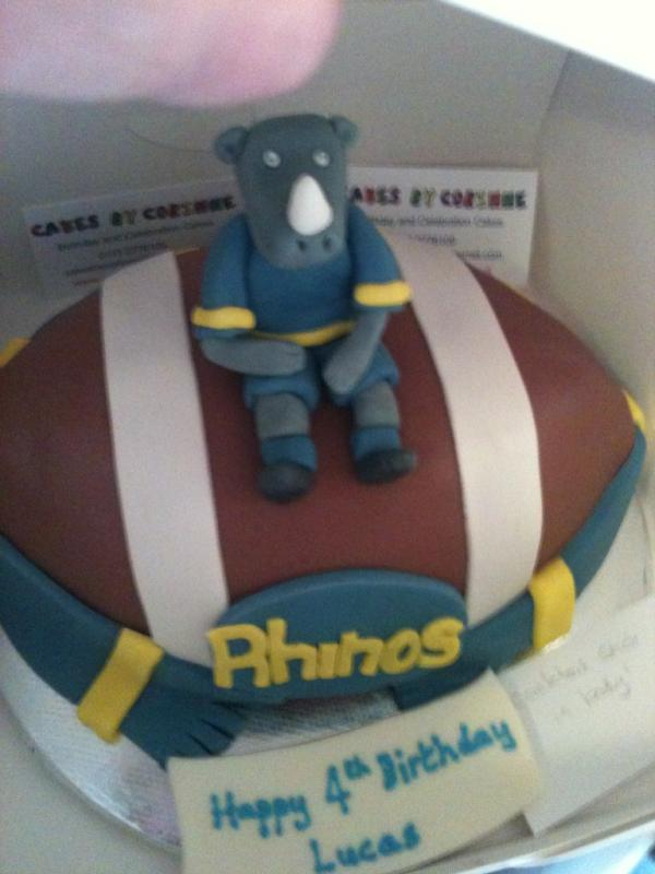 1000+ images about Leeds rhinos cake on Pinterest ...