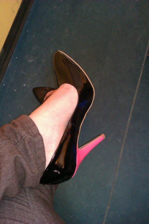 33252ebd685f  shoeperwoman hashtag on Twitter