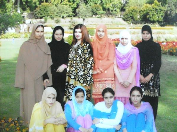 Srinagar girls