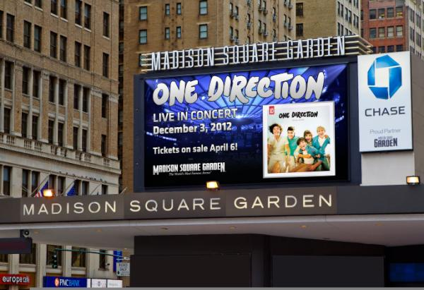 Cant believe we will be performing at MSG later this year! Tickets on sale at 5pm EST on 6th April http://t.co/XjIwAXNW http://t.co/8QzDmylZ