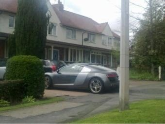 Niall Horan On Twitter Harry S Car Outside His House It S An Audi