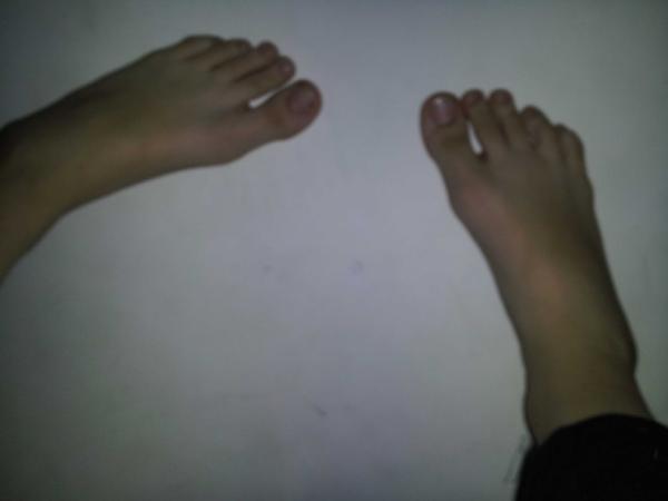 ariel winter feet