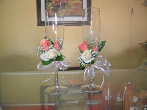 Decoracion floral c on twitter decoracion de copas para for Decoracion de copas para boda