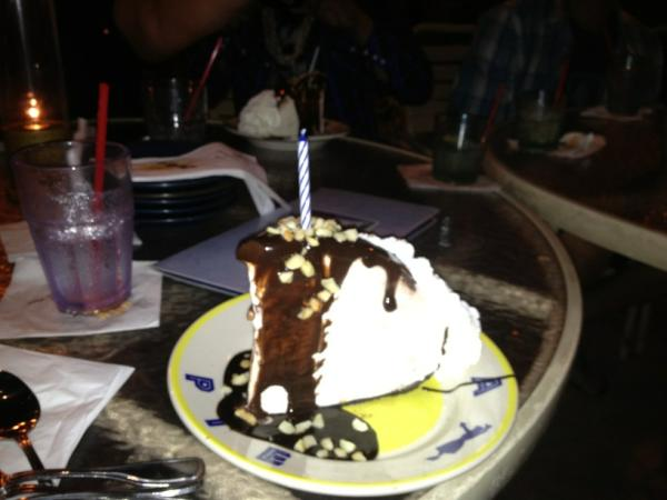 Nicholas Romio On Twitter Birthday Cake White Macadamia Nut Ice Cream With Chocolate Sauce Amazing Paradise Hawaii