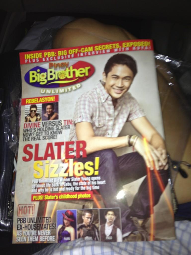 モ@acpatrimonio: Bought a copy of pbbu mag! Ikaw na @thatguyslater !!!hahahaha:)) http://t.co/zE7sjo1pヤ ang ganda ng pic mo!!! :)