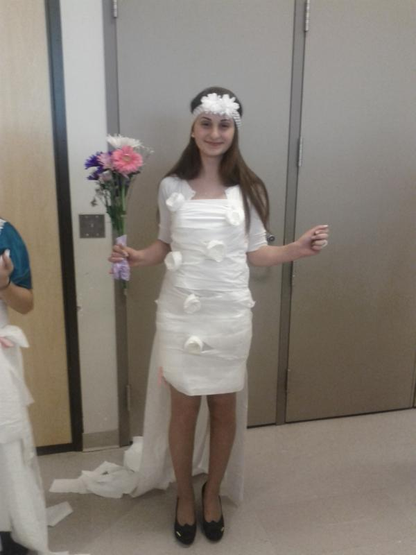liliana j on twitter bridal shower game make dress out of toilet paper mine is too sick httptcopyzmbqfg