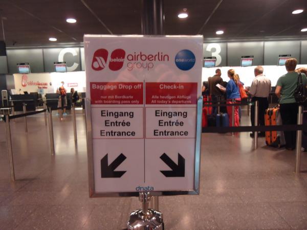 Kundentrenner-Schild von airberlin am Flughafen Zürich