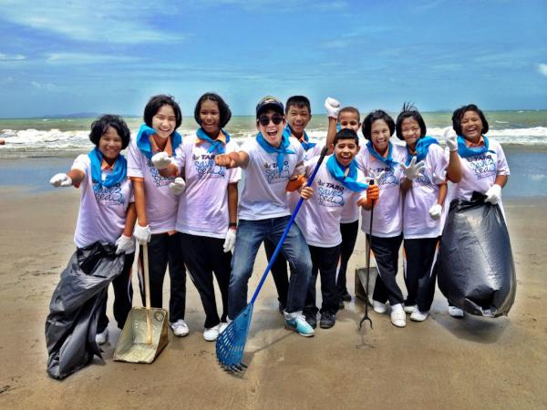 Save the sea at Pattaya yeah!!!!! http://t.co/zk4wsrcJ