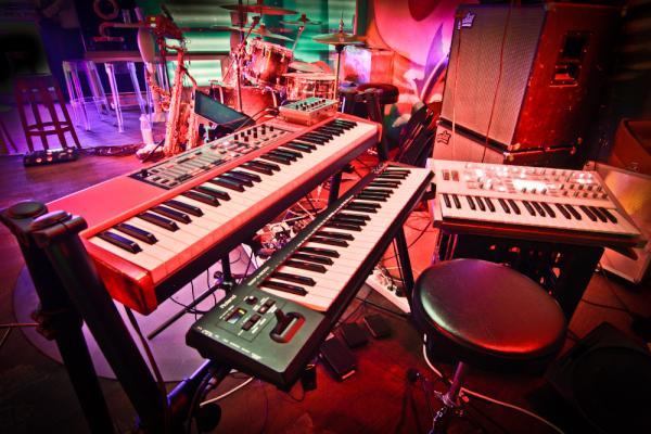 Hausbar Bonn christian frentzen on neat keyboard setup at hausbar bonn