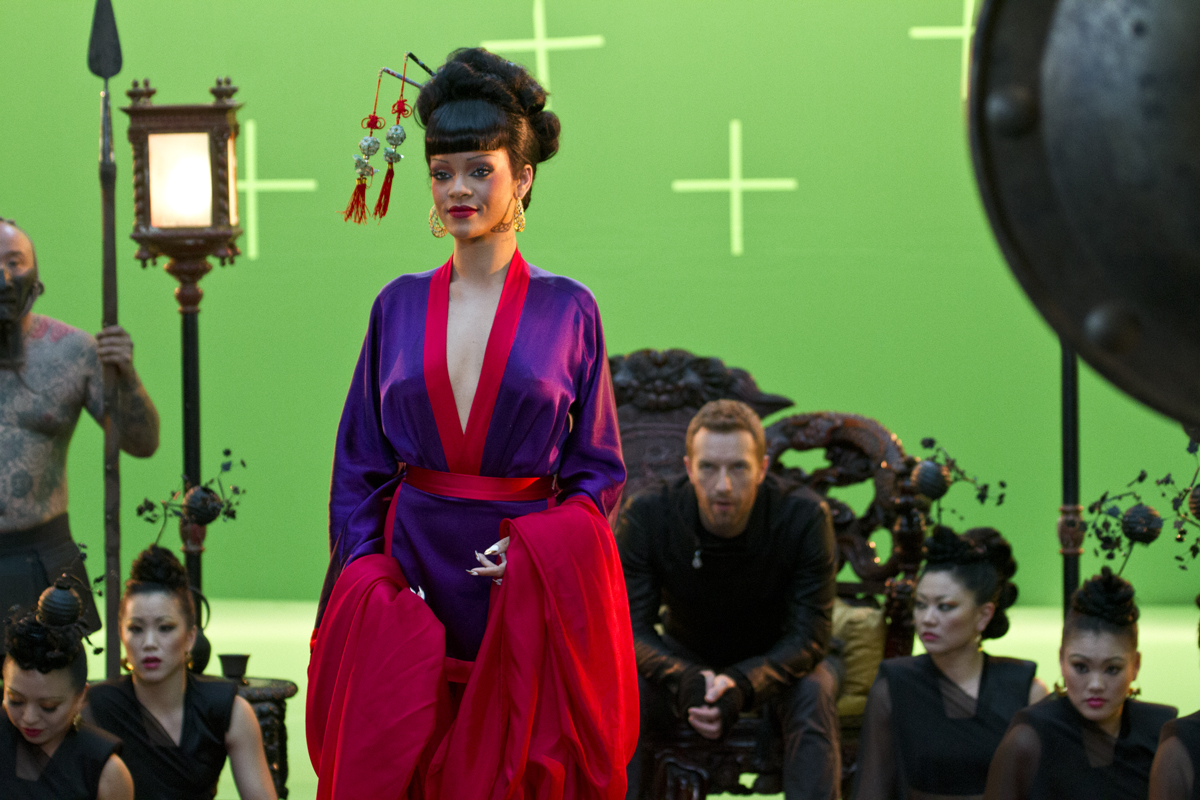 RT @coldplay: The video for Princess of China - featuring @RIhanna - will premiere on Monday morning! Here's a sneak pic... http://t.co/ ...