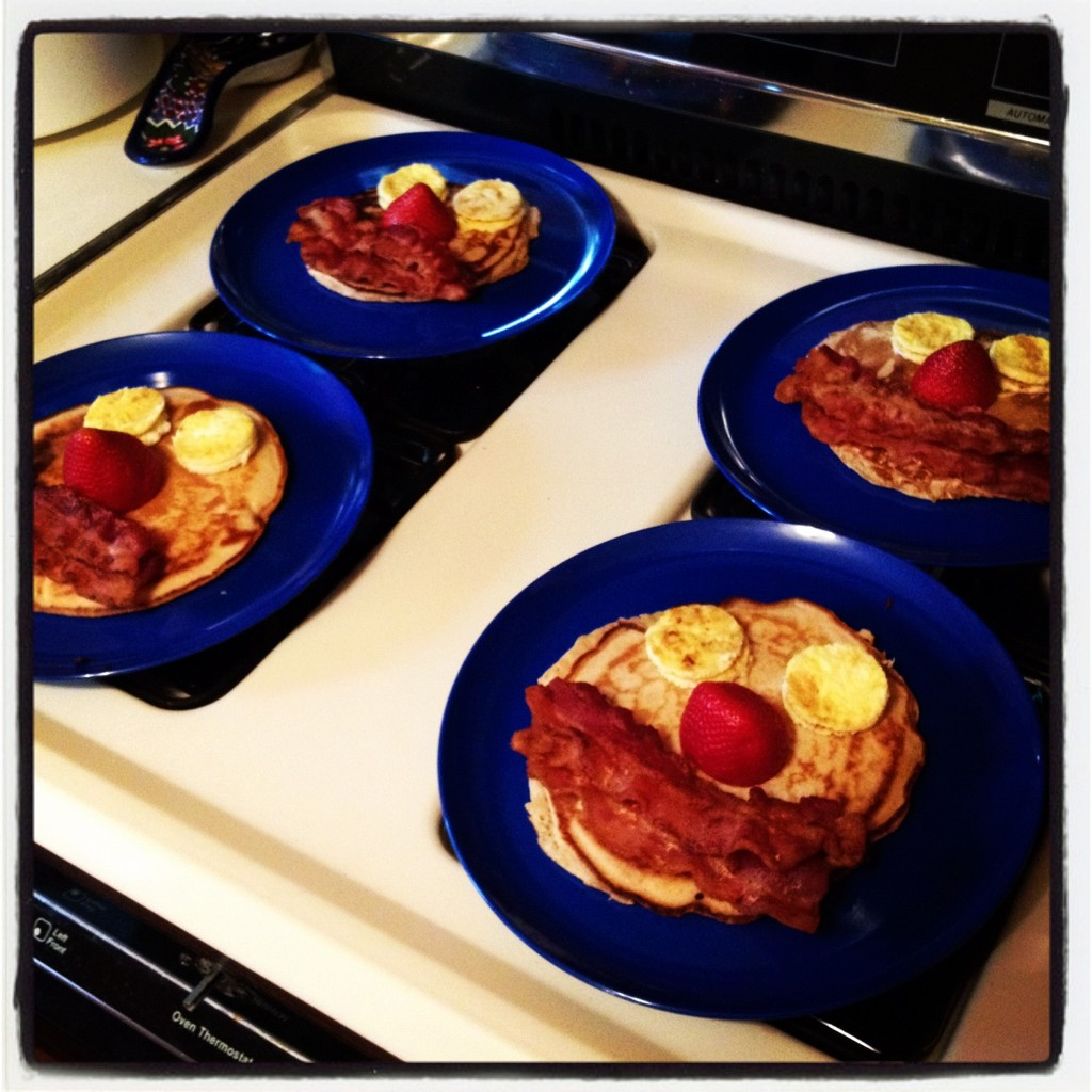 Looks breakfast-y! RT @timlybarger: Sunday dinner guest: Mr. Breakfast. @peeweeherman #dinnerbydad http://t.co/jhZ1bdx3