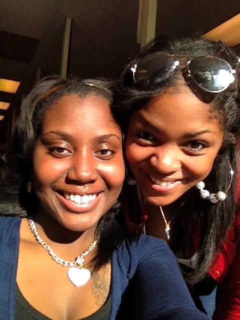 @1BiteSizeBeauty: Me and My Flake @_WildCherryBomB #TruePrettyGirls pic.twitter.com/xLqSa7Ek