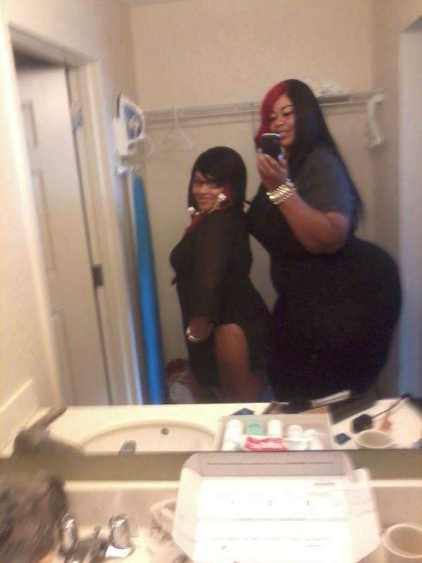 superdomebooty on twitter me and my lil sis i m like 6 3 and she