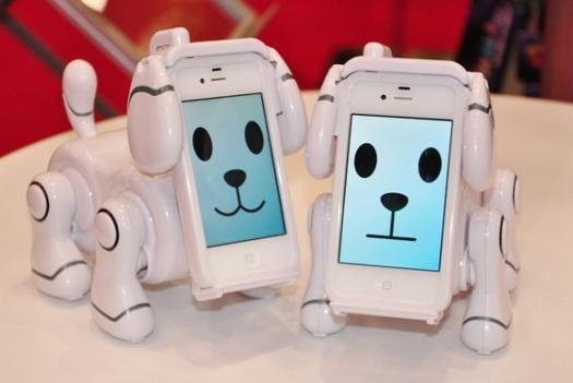 RT @teknoapdet: #gadgetlucuk - moboto, transform your iphone onto a dog !, yang suka anjing tapi ga mau di gigit... http://t.co/dPDLrzqc