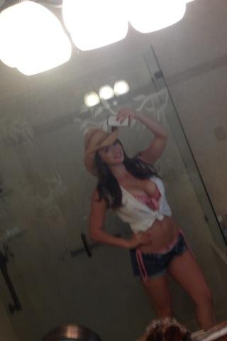 Ashley Ann-vickers  - Sneak peak p twitter @AshleyAnnVick yeehaw
