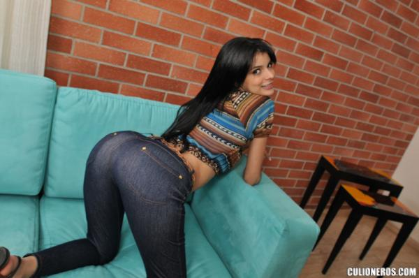 naked latina pictures Young