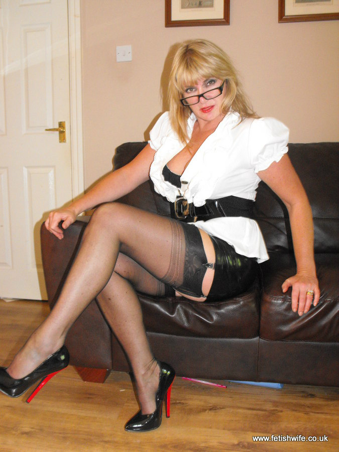 "Fetishwife Clare on Twitter: ""red and black high heels ..."