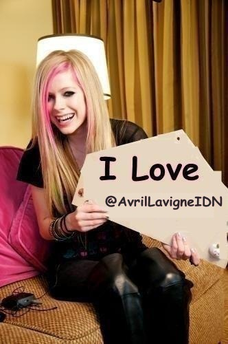 RTRTRTRT @AvrilLavigneIDN: yang mau kayak gini retweeettt :D x http://t.co/18zRkRaM